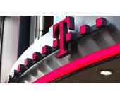 Deutsche Telekom Logo über Filiale