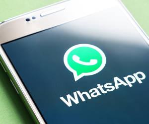 Whatsapp Logo Auf Smartphone-Screen