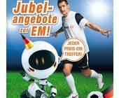 Miroslav Klose und der Roboter EXP-RT 50 in einer aktuellen Print-Anzeige von Expert