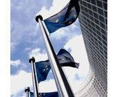 Flagge vor EU-Parlament