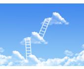 Leitern auf Wolken im Himmel