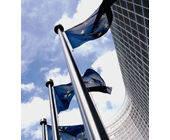 Europa-Flagge vor EU-Parlament