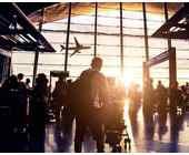 Im Terminal eines Flughafens