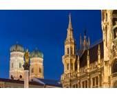 München: neues Rathaus bei Nacht