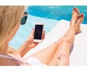 Frau Smartphone Urlaub