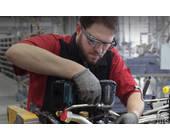 Arbeiter mit Google Glass