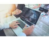 Laptop im Büro