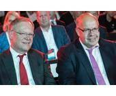Bundeswirtschaftsminister Peter Altmaier (re.) auf der Cebit 2018